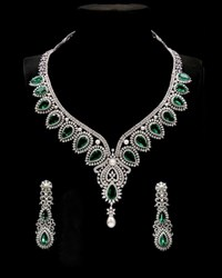 Picture of diamond jewelry set