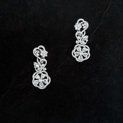 Picture of crystal earring