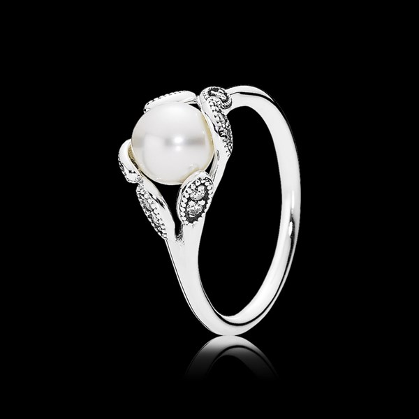Picture of pearl ring
